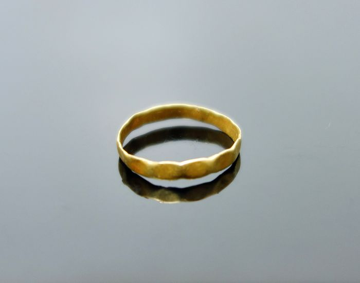 Ancient Roman Gold Bevelled Edged Ring - 17mm int diam