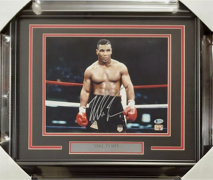 Signed - Mike Tyson - Photograph