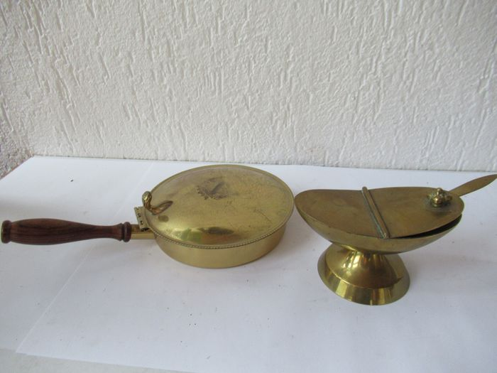 Antique incense vessel with spoon and offering bowl - Copper and brass - Early 20th century