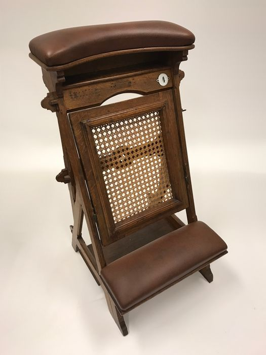 Chair (1) - Leather, Wood - Early 20th century