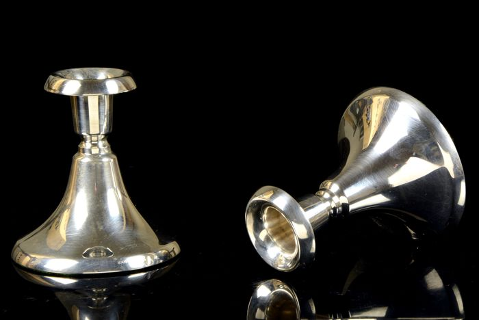 Candlestick, Pair of candlesticks - NO RESERVE PRICE (2) - .830 or higher grade silver (Ag) - Sweden - Middle 20th century