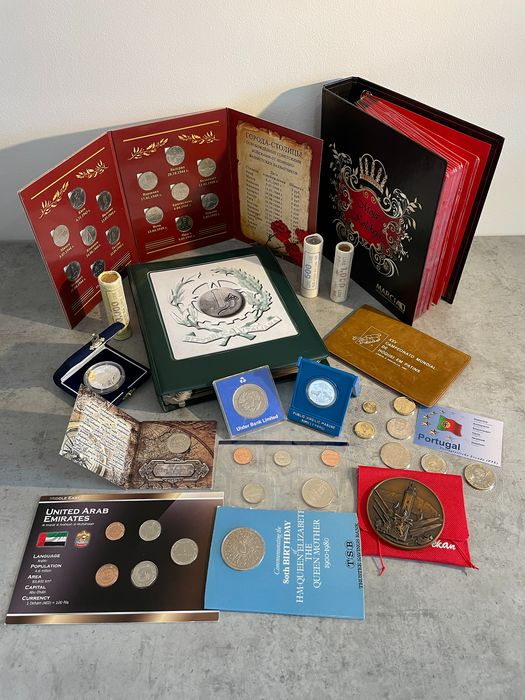 Mundo. Lot various Worldcoins and some medals (± 660 pieces)