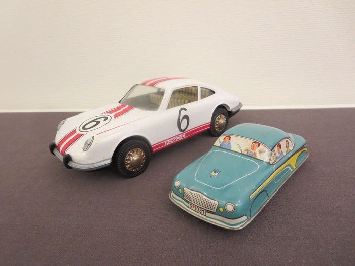 Joustra and Izola - Auto Friction cars porsche and some other rarity - 1960-1969 - France and Yugoslavia