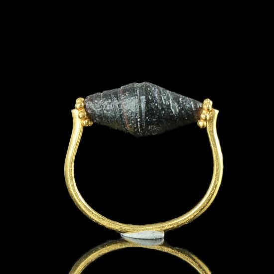 Ancient Roman Glass Ring with black glass bead - (1)