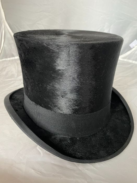 900 cylinder hat - Leather - Early 20th century