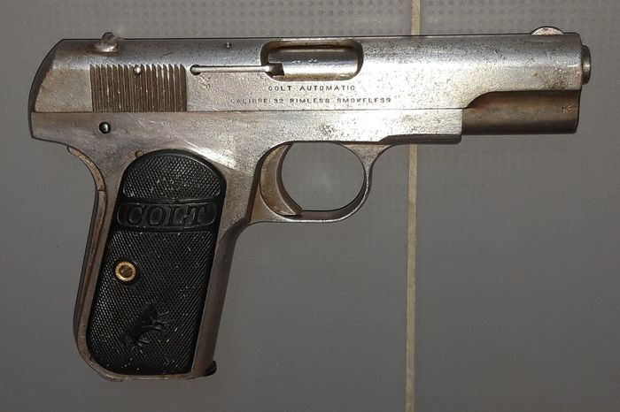 United States of America - 20th Century - Early to Mid - Colt - model 1903 - Centerfire - Pistol - .32 ACP