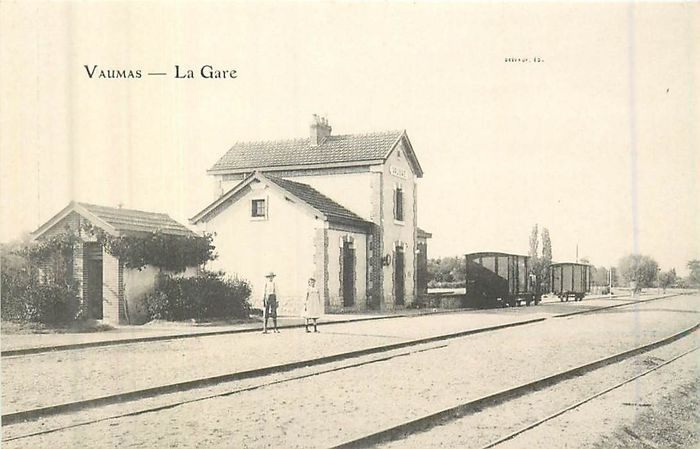 France - Department 03 - Allier - Postcards (Collection of 60) - 1900-1930