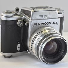 Pentacon six met Carl Zeiss Jena Biometar