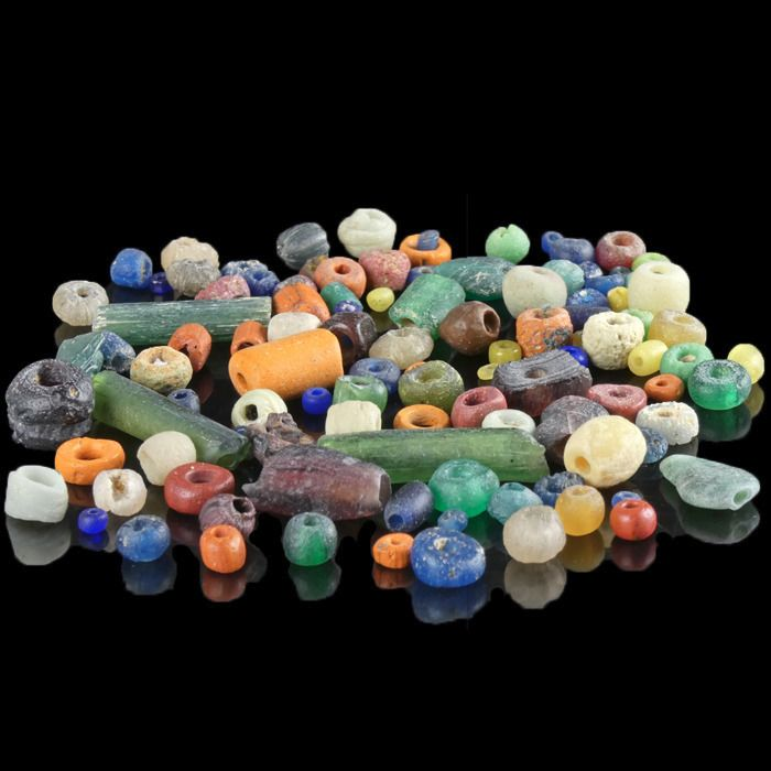 Ancient Roman Glass Collection of ± 100 multicoloured glass beads