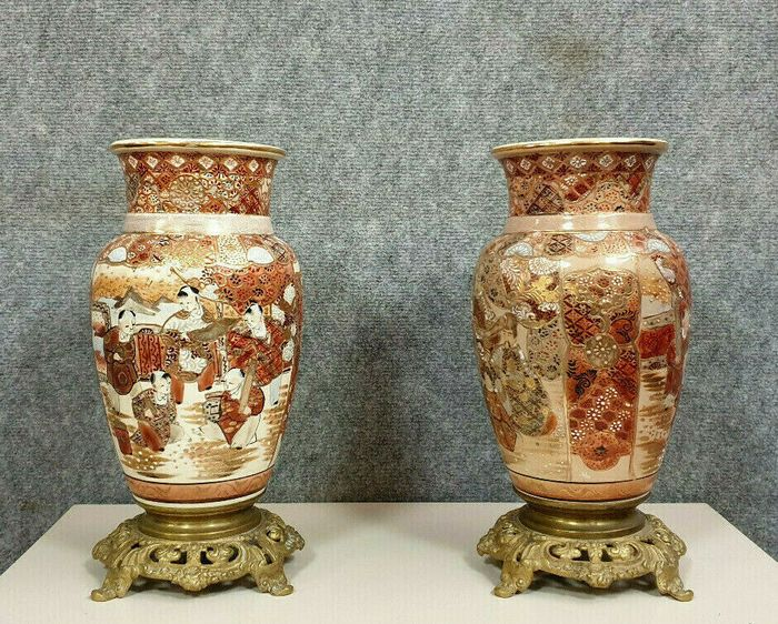 Two vases on a gilded bronze terrace - Earthenware - Early 20th century