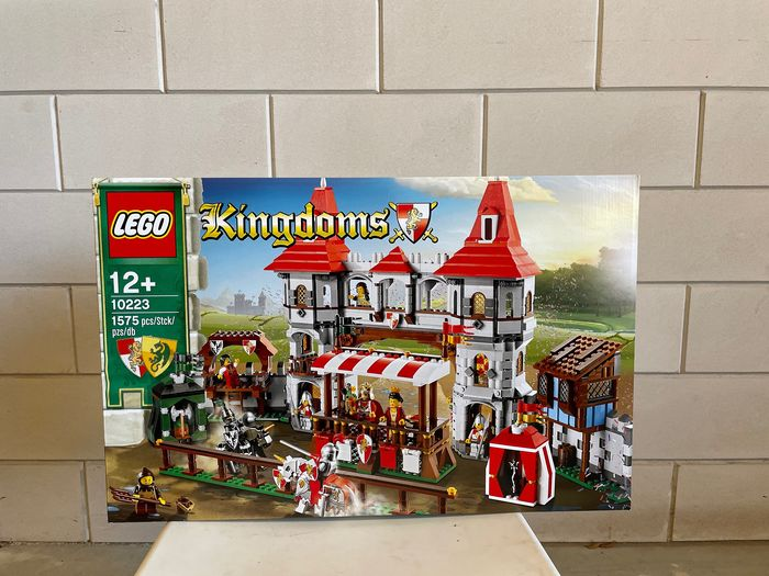 LEGO - Knights Kingdom - 10223 - kasteel Lego Kindoms Joust - 2000-present