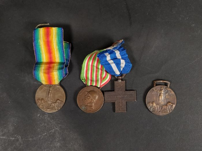Italy - Medals (4)