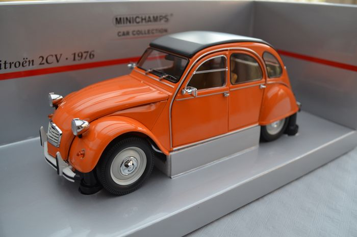 MiniChamps - 1:18 - Citroën 2CV 1976 - Orange / All opening parts > see pictures
