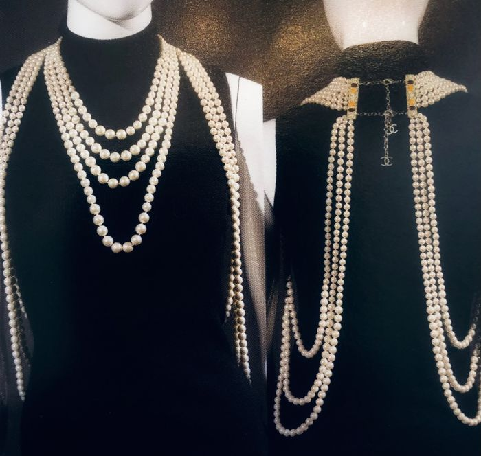 Chanel - Full-body Pearl - Collier