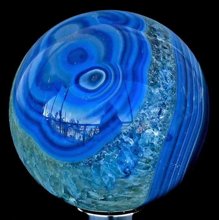 First quality colored intense blue Agate sphere - 6.8×6.8×6.8 cm - 434 g