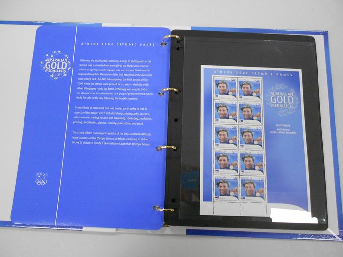 """Australia - Specially published book with 17 sheets O.G. 2004 """"Gold medallists"""" - Yvert"""