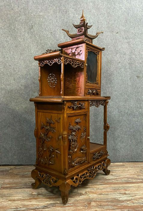 According to Gabriel Viardot: Japanese ceremonial piece of furniture in the shape of a pagoda - Stained wood - Second half 19th century
