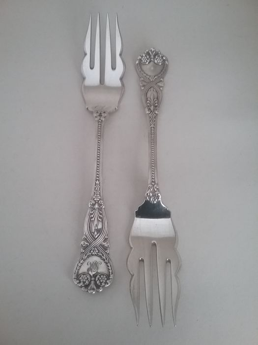 Saint James by Tiffany & Co- Sterling Silver Pastry forks- Victorian (2) - .925 silver - Tiffany & Co - North America - Late 19th century