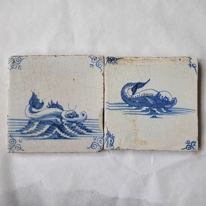 Two antique tiles with sea creatures (2) - Earthenware