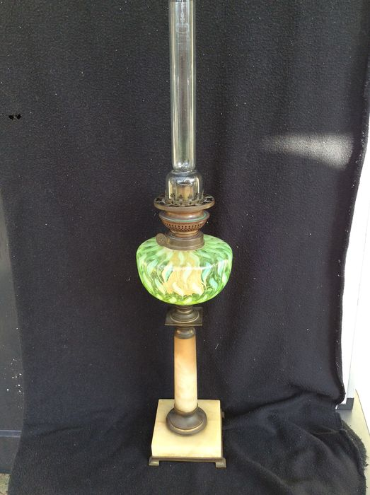 Beautiful fully antique complete kerosene lamp - copper, glass and marble - First half 20th century