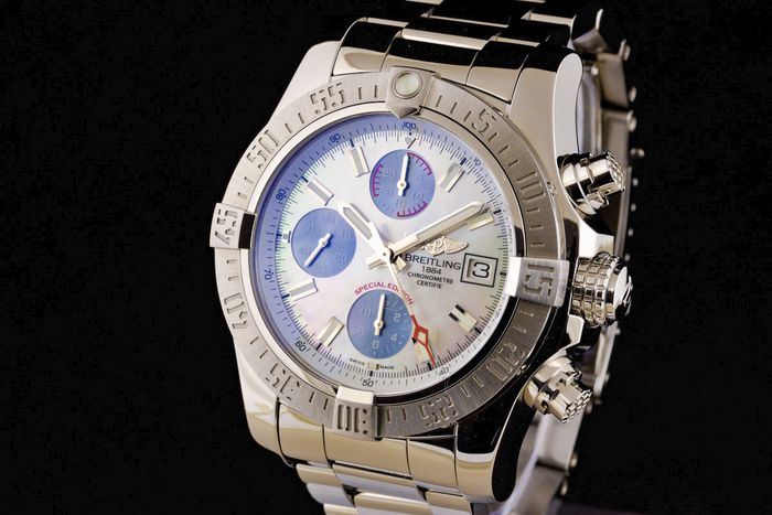 Breitling - Avenger II Chronograph Chronometer Dial with Mother of Pearl Special Edition - A13381 - Herren - 2011-heute