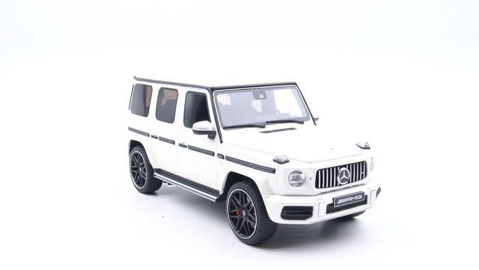 GT Spirit Asia Special edition - 1:18 - Mercedes-Benz G63 AMG 2019 White - Limited edition 1 of 504 units