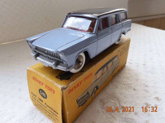 Dinky Toys - 1:43 - Fiat 1800 Familiale - Referentie: 548