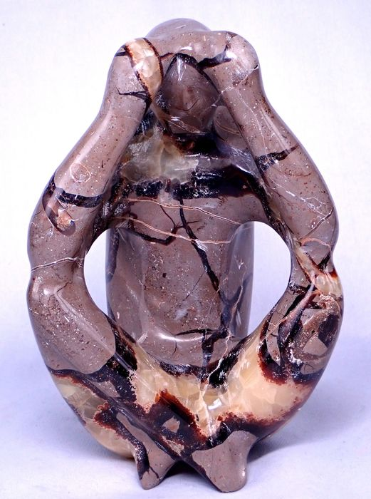 """Beautiful Septarian """"The Thinker"""" carving - 175×124×105 mm - 1753.8 g"""