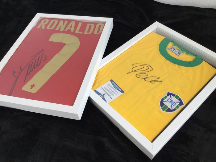 Brasil & Portugal Framed - Coupe du Monde de Football - Cristiano and Pelé Signed jersey Portugal and Brasil With Coa - 1970 - Jersey(s)