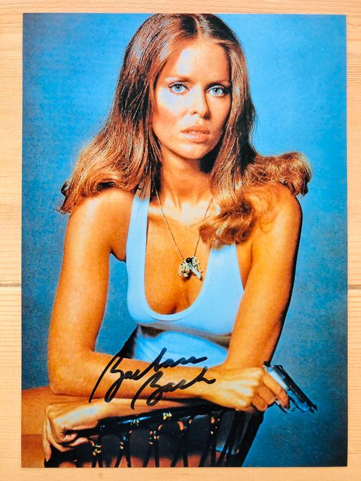 James Bond 007: The Spy Who Loved Me - Barbara Bach as Agent Triple X - Foto, Handtekening, Signed with Certified Genuine b´bc holographic COA