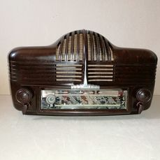 Sonora - Excellence 301  Cadillac  Streamline Loewy - Tube radio