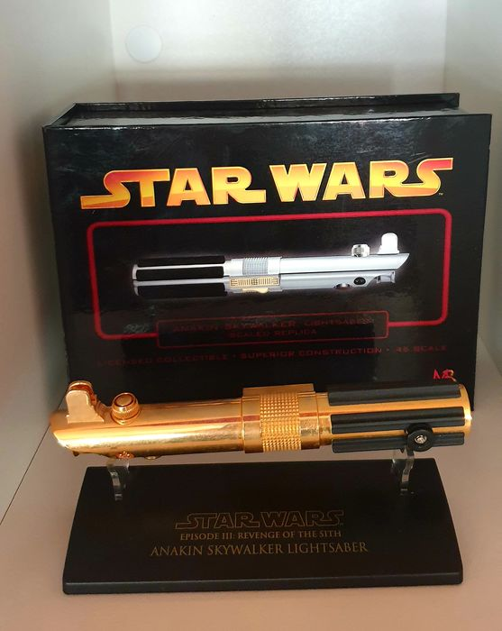 Star Wars Episode III: Revenge of the Sith - Anakin Skywalker Lightsaber - Master Replicas - 1:10 - Scaled Replica Gold
