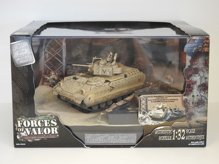 Forces of Valor - Diorama - 80102 - Tank USM2A2 BRADLEY - Take Out the Scuds- Kuwait 1991 - 1990-1999 - V.S.