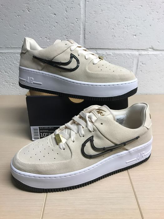 Nike (Limited Edition) - Nike Air Force One Low Suede Scream Gold P42,5 - Tennarit - Koko: Kengät / EU 42.5