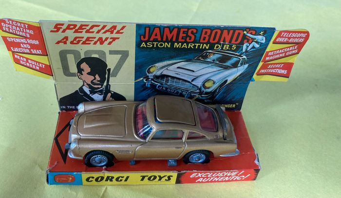 Corgi - 1:43 - James Bond Aston Martin DB5 Corgi 261