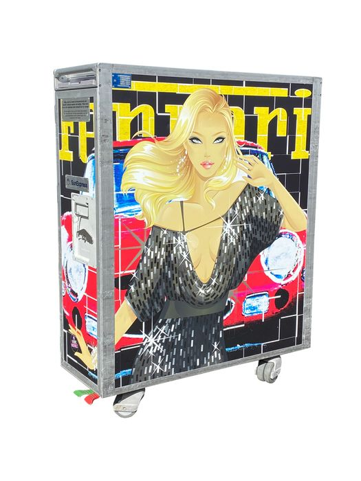 "Decoratief object - Full size vliegtuig trolley ""Ferrari GTO– Girl"" - Noboringo - SunExpress - Na 2000"