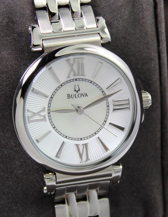 Bulova - Mother Of Pearl With Crystal Necklace - New & Boxed - Donna - 2011-presente