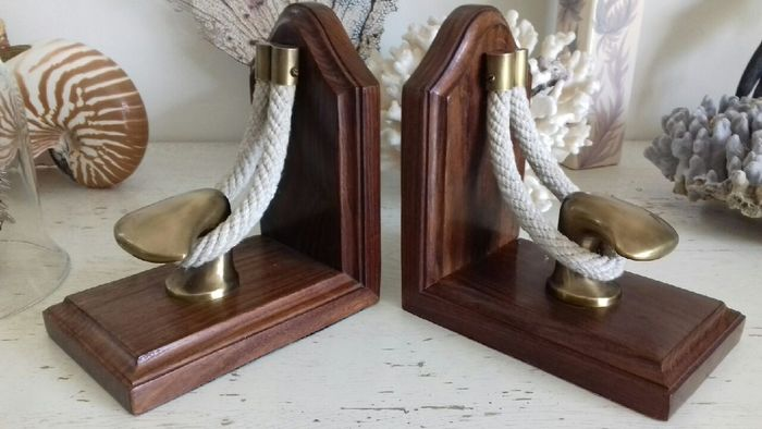 Boat mooring bookends - brass - wood - rope