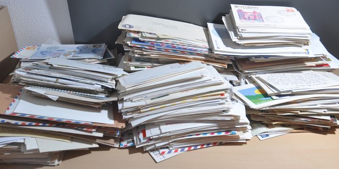 Welt - Large box filled with hundreds of covers, FDCs, special envelopes and more