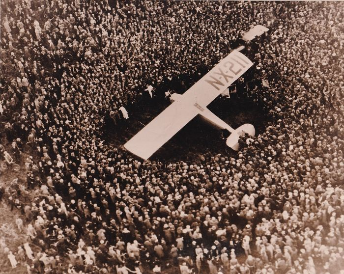 Unknown/Pacific & Atlantic photos - Charles Lindbergh, Arrival in England. 1927