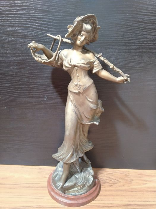 """Francisco Flora (1857-?) - Sculpture, """"Mascot"""" - Marble, Spelter - Late 19th century"""