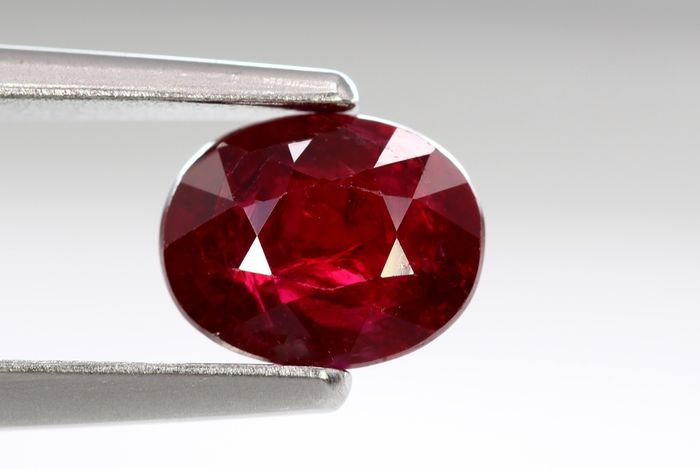 Intense Red - Ruby - 1.29 ct