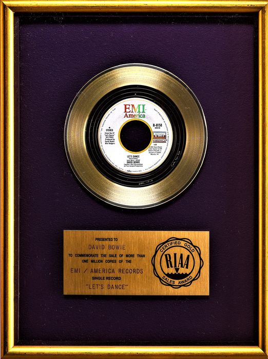 David Bowie - Let's Dance - presented to David Bowie - Officiële RIAA award - 1983/1983