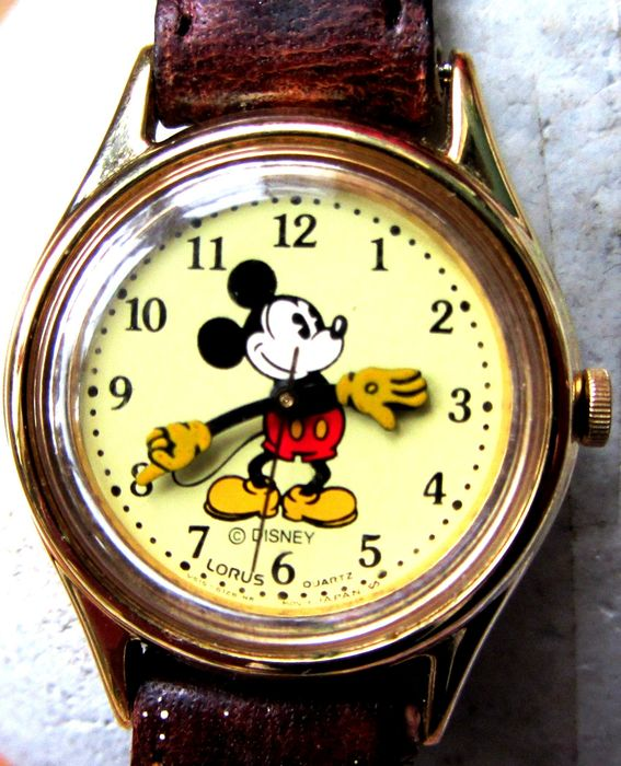 """Disney - Vintage 26mm MICKEY MOUSE """"Moving Hands"""" by LORUS (Seiko) V515-6080 A1 (V515-6128 HR dial)"""