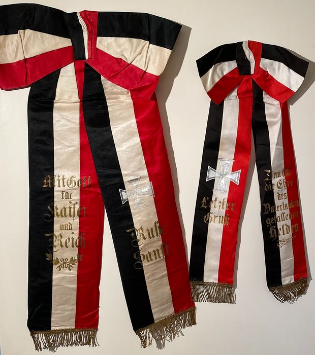 German Empire 1st World War 1914-1918 - 2 grave loops made of silk - for soldiers who fell in the field - contemporary originals from that time!