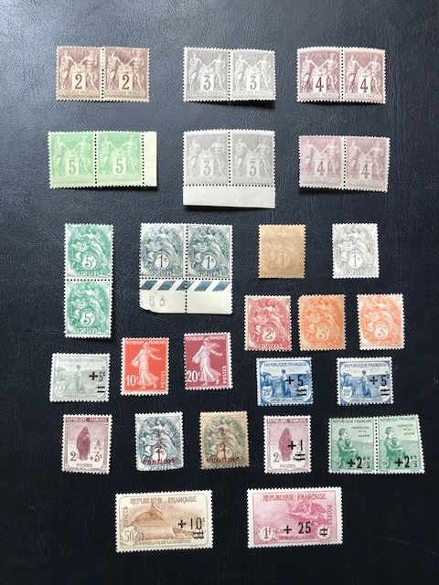 Francia 1877/1922 - An interesting lot of 34 stamps. - Yvert 85 à 167