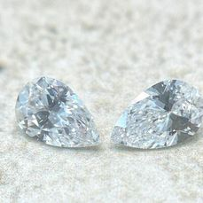 2 pcs Diamonds - 2.17 ct - Pear - D (colourless) - IF (flawless), GIA CERTIFIED - HPHT