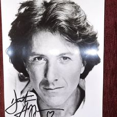 Dustin Hoffman - Hollywood Legend - Autograph, Photo, Signed in person, black marker