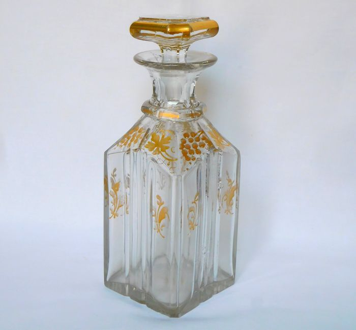 Baccarat - Golden crystal whiskey or liquor decanter - period 1850 - Crystal