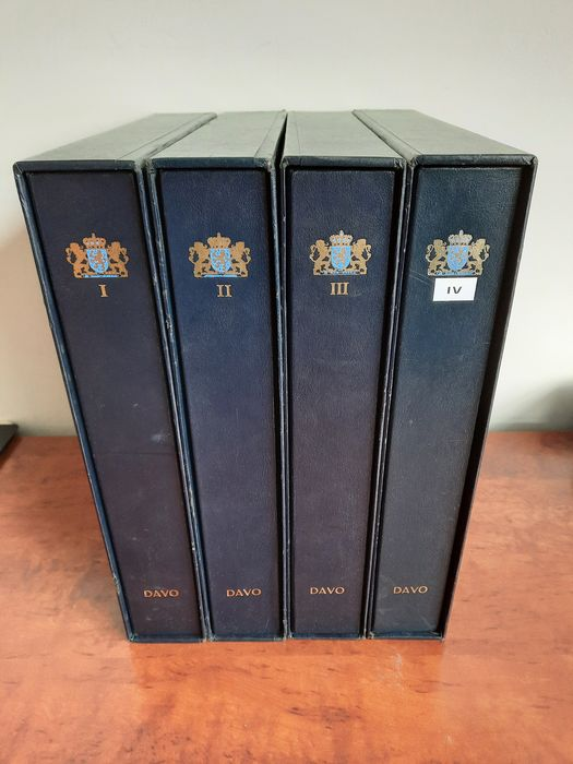 Pays-Bas 1852/1990 - Advanced collection in 4 DAVO LX albums with slipcases